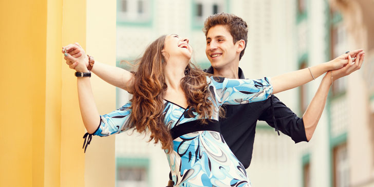 10 Unexpected Habits of Happy Couples