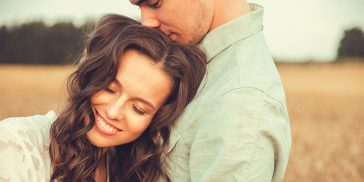 Exactly How To Tell When A Guy Loves You