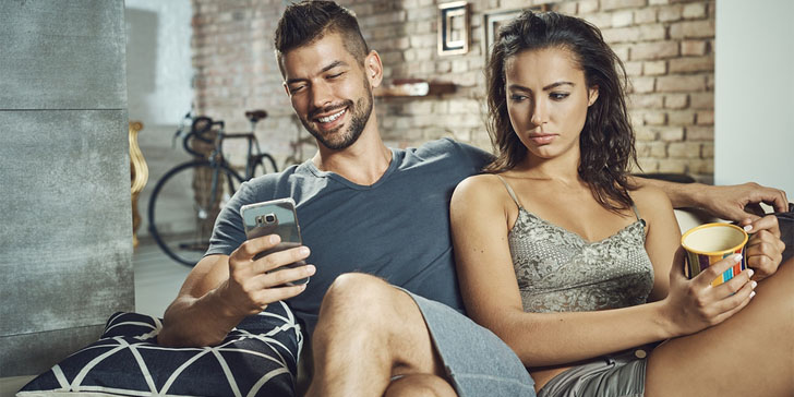 How to tell if the guy youre dating is not really interested in you