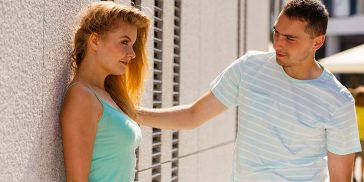 How Do Men Flirt? 21 Ways Men Flirt That Women Often Miss